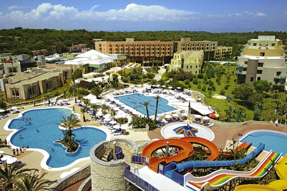 Blue Waters Club & Resort ****